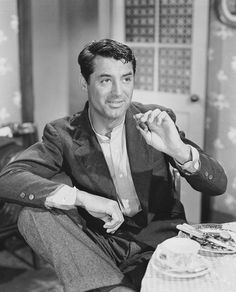 ... Cary Grant , was an English actor who later took U.S. citizenship