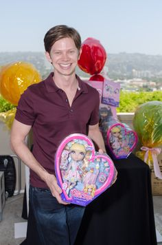 We all miss One Tree Hill after that heart touching finale, but Cutie Pops was able to see Mouth played by Lee Norris from the CW drama once again at the MTV Movie Awards Gifting Suite. Can't wait to see what Lee Norris has in store for his fans next!