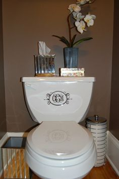 Fancy Oval Monogram Personalized Vinyl Decal adds a classy effect on a boring toilet! Home Interior, Bathroom Interior, Design Bathroom, Modern Bathroom, Bathroom Ideas, Bathroom Niche, Bathroom Vinyl, White Bathrooms, Bathroom Colors