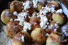 Recept Švestkové knedlíky posypané tvarohem Toffee Bars, Pretzel Bites, Baked Potato, Bread, Baking, Vegetables, Ethnic Recipes, Caramel Bars, Brot