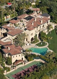 """Luxury Homes Interior Dream Houses Exterior Most Expensive Mansions Plans Modern 👉 Get Your FREE Guide """"The Best Ways To Make Money Online"""" Big Mansions, Mansions Homes, Celebrity Mansions, Celebrity Houses, Luxury Homes Dream Houses, Luxury Life, Dream Mansion, Rich Home, Expensive Houses"""