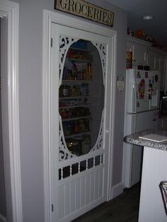 New screen pantry door ideas storage 58 ideas Screen Door Pantry, Barn Door Tables, Pantry Door, Door Signs Diy, Home Diy, Screen House, Diy Door, Door Wreaths Diy, Vintage Screen Doors