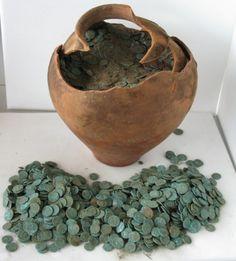 The 'Shrewsbury Hoard' - 9315 coins in a clay pot © Portable Antiquities Scheme