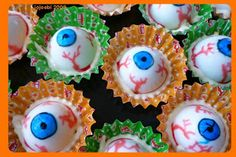 jojoebi designs: Eyeball anyone? Wonder if the bottom could be changed into a deviled egg mix instead of just mayo?