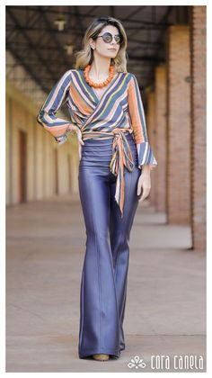 Anti-aging fashion: The trend of diagonal stripes ⋆ Facing the Sea - Women Style Désinvolte Chic, Style Casual, Look Chic, Casual Chic, Fashion 2020, Look Fashion, Womens Fashion, Fashion Design, Fashion Trends