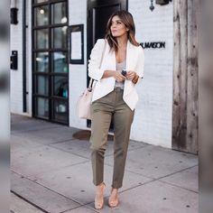 """. Marque suas amigas que também são """"advogadas com estilo""""❗️ . . . . . . .  #advogadacomestilo #advogata #advogada #work #lookoftheday #looktrabalho #lookdetrabalho #lawyer #law #ootd #fashion #fashionista #look #direito #moda #estilo #escritorio #office #boanoite"""