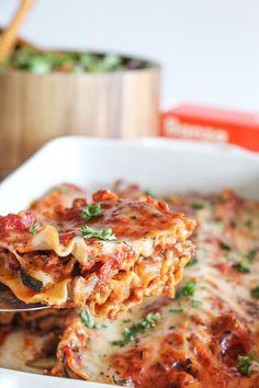 Gluten free ground turkey lasagna Baked Pasta Dishes, Baked Pasta Recipes, Cheesy Pasta Sauce, Ground Turkey Lasagna, No Boil Lasagna, Lasagna Noodles, Dairy Free Lasagna, Turkey Tacos, Dairy Free Options