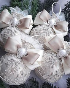 In this DIY tutorial, we will show you how to make Christmas decorations for your home. The video consists of 23 Christmas craft ideas. Shabby Chic Christmas Ornaments, Victorian Christmas Decorations, Handmade Ornaments, Pink Christmas, Diy Christmas Ornaments, Handmade Christmas, Christmas Crafts, Decoration Inspiration, Free Images