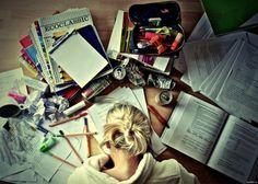 Consejos para sorevivir siendo un universitario y no sucumbir ante los terrores del desvelo, de la soledad y los exámenes finales