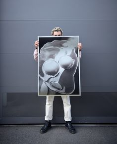 Peter Hauser with his EggHead Screenprint. . . . . . . . . . #peterhauser #edition3000 #siebdruck #siebdruckliebe #siebdruckposter #siebdruckprint #posterprint #poster #print #screenprint #silkscreen #silkscreenprint screenprintposter #artposter #artprint Silver Paper, Poster Prints, Art Prints, Silk Screen Printing, Online Gallery, Limited Edition Prints, Artist, Artwork, Photography