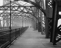 The Queens borough Bridge in New York on Feb 10, 1910. It opened on March 30, 1910. #deepcor #newyork #queensboroughbridge #photography #history #architecture