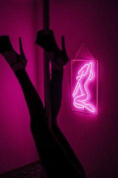 Pink Tumblr Aesthetic, Iphone Wallpaper Tumblr Aesthetic, Purple Aesthetic, Aesthetic Wallpapers, Bad Girl Aesthetic, Pink Neon Wallpaper, Bad Girl Wallpaper, Photo Rose, Pink Photo