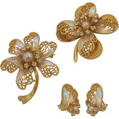 $64 obo BSK 3- Dimensional Rhinestones & Enamel Flower Brooches & Earring Set