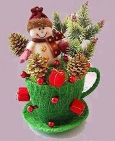 pinterest.ru Baby Christmas Ornaments, Handmade Christmas Decorations, Christmas Tea, Christmas Centerpieces, Holiday Crafts, Vintage Christmas, Holiday Decor, Christmas Snowman, Diy And Crafts