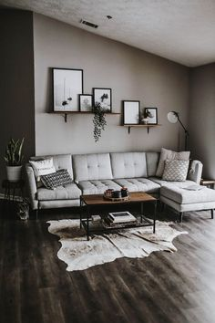 59 grey small living room apartment designs to look amazing 52 Modern Decoration modern living room decor Design Living Room, Living Room Grey, Home Living Room, Modern Living Room Decor, Modern Decor, Cozy Living, Modern Living Room Designs, Living Room Shelving, Bedroom Shelves