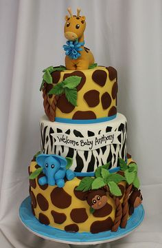 Jungle baby cake med by Amanda Oakleaf Cakes. Love this cake, so adorable. Zoo Cake, Jungle Cake, Jungle Theme, Jungle Safari, Safari Theme, Safari Animals, Torta Baby Shower, Boy Shower, Fancy Cakes