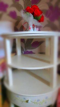 stylowy stolik, rozjaśniający wnętrze, ct. paulina_mich@o2.pl