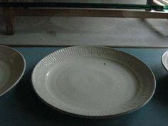 川口武亮さんのいろいろ 粉引 お皿もいろいろ | ならまちの雑貨店 器と暮らしの道具 カ ウ リ のショップ情報