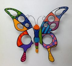 mariposas en madera pintadas - Buscar con Google Arte Country, Mandala, Ceramic Animals, Clay Flowers, Dot Painting, Cute Baby Animals, Glass Jewelry, Clay Art, Rock Art