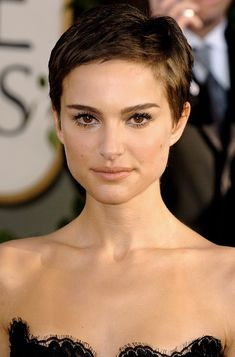 Cool Chic Pixie Hairstyles - Natalie Portman