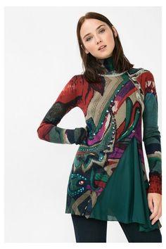 Jersey verde de cuello alto Desigual. ¡Descubre la colección otoño-invierno…