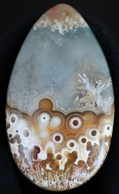 I had a very nice slab of unusual crazylace and decided to cut the heart of it out to make two nice cabochons, emphasizing the bubble-like, or tube formations, with a little sagenite mixed in. Minerals And Gemstones, Crystals Minerals, Rocks And Minerals, Stones And Crystals, Gem Stones, Cool Rocks, Beautiful Rocks, Mineral Stone, Rocks And Gems