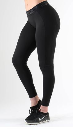 Flex leggings in black are form hugging and figure flattering. They combine our seamless knit with beautiful design to create a squat proof fitness leggings.
