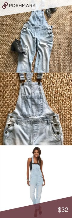 Kardashian Kollection Overalls Not a fan of the Kardashians but these overalls are adorable. Light wash and flattering, good fit for a Sz 26, fitted but not tight. Cute with heels or flats, hem can be rolled or worn down. Great gently used condition. Kardashian Kollection Jeans Overalls