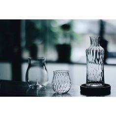 厚さが1ミリにも満たない極薄のグラス「うすはり」で知られる松徳硝子は価格帯もリーズナブルなのでビギナーの方にもおすすめです。