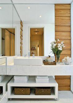 Banheiro projetado pela arquiteta Débora AguiarBanheiro projetado pela arquiteta Débora Aguiar by casacombr, via Flickr