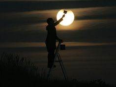 playing with the moon by laurent laveder (1)