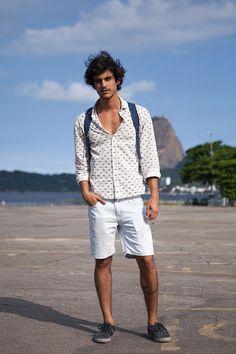 Street style masculino Fashion Rio Verão 2014 - short + camisa estampada