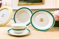 The Obamas' State China Service is the first to include an individual tureen.