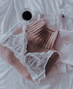@𝐢𝐥𝐲𝐲𝐲𝐦𝐚𝐝𝐝𝐢𝐞 Lingerie Chic, Lingerie Fine, Jolie Lingerie, Pretty Lingerie, Lingerie Models, Cute Casual Outfits, Winter Outfits, Summer Outfits, Ropa Interior Retro