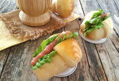 Babà salati soffici e ideali per buffet antipasti finger food