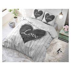 Posteľná bielizeň s motívmi inšpirovanými najnovšími trendami. House Beds, Comforters, Bed Pillows, Pillow Cases, Nova, Blanket, Bedding, Creature Comforts, Pillows