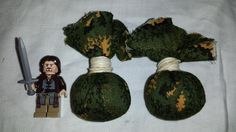 Lego Aragorn has found some kingsfoil Bradley Packets to help Frodo.  www.bradleypackets.com