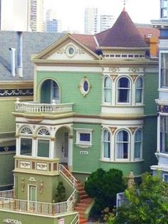 Love the house. Not sure what's going on with that witch's hat tacked onto the roof. victorian house in San Francisco, Steiner Street Victorian Architecture, Beautiful Architecture, Beautiful Buildings, Beautiful Homes, Victorian Style Homes, Fantasy House, Second Empire, Old Buildings, Historic Homes