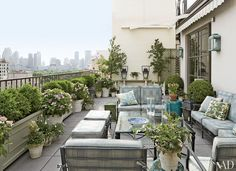 Michael S. Smith's Manhattan terrace (36 East 72nd Street). Smith worked closely with landscape designer Philip Roche of Plant Specialists.