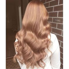 Details you don& know about caramel hair color and tones - . Hair Inspo, Hair Inspiration, Blond Rose, Rose Gold Hair Blonde, Gold Brown Hair, Copper Rose Gold Hair, Copper Blonde Hair, Burgundy Hair, Carmel Hair Color
