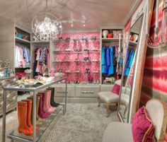 20 Extravagant Walk In Closets That Will Amaze You