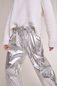 View the full Paco Rabanne Pre-Fall 2017 collection.