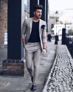 Estilo de ropa hombre y moda casual masculina. Business Casual Men, Men Casual, Suits Outfits, 30 Outfits, Glam Look, Formal Men Outfit, Formal Dresses For Men, Men Formal, Mode Man