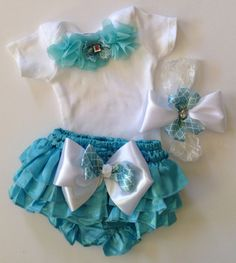 Newborn baby girl take me home outfit tiffany blue bloomers outfit bodysuit headband bow quatrefoil print