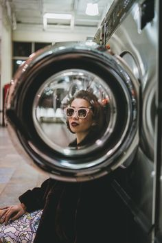 Want to have your own laundromat styled photoshoot Creative Portrait Photography, Photo Portrait, Photography Editing, Mobile Photography, Digital Photography, Amazing Photography, Photography Business, Photography Backdrops, Street Photography