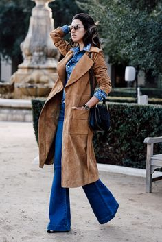 fall / winter - street style - street chic style - fall outfits - winter outfits - casual outfits - denim on denim - denim shirt + brown suede long coat + flare jeans + black booties + black shoulder bag + oversized sunglasses