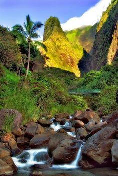 Beautiful Hawaii -Needle, 'Iao Valley State Park- Maui Hawaii