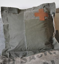 Image of COUSSIN  MINI MUNITIE