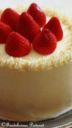 White chocolate cake with white chocolate butter cream~