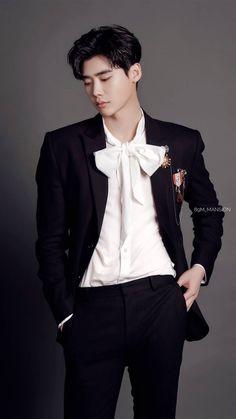 """Gue suka sama lo dan gue sayang sama lo Na""-Taeyong.  ""Sayang sama g… #fiksipenggemar # Fiksi Penggemar # amreading # books # wattpad Lee Jong Suk Cute, Lee Jung Suk, Suwon, Asian Actors, Korean Actors, Lee Jong Suk Wallpaper, Kang Chul, Lee Young, Joo Hyuk"